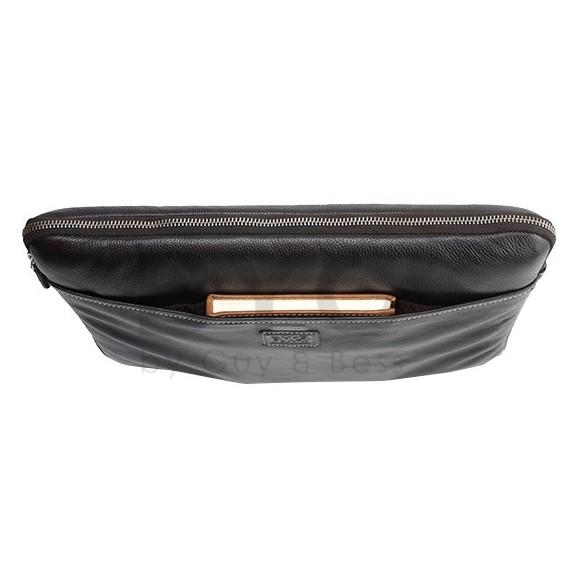 Byond RHINESLVE Rhine Sleeve Leather Bag