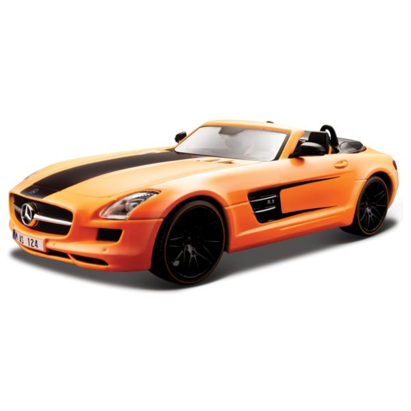 Maisto 31370 Diecast Merc Benz SLS AMG Roadster 1:18 - Color May Vary
