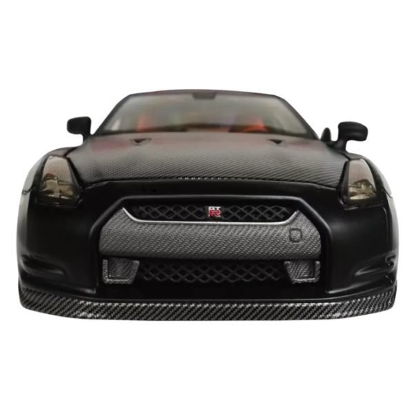 Maisto 31339 Diecast Nissan GTR 1:24 - Color May Vary