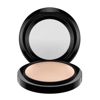 MAC Skinfinish Natural Mineralizer Medium Plus Powder