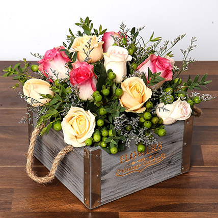 Dreamy Arrangement Of Roses in a Box
